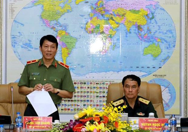 Trung tướng Huỳnh Ngọc Hà và Thiếu tướng Lương Tam Quang đồng chủ trì Hội nghị