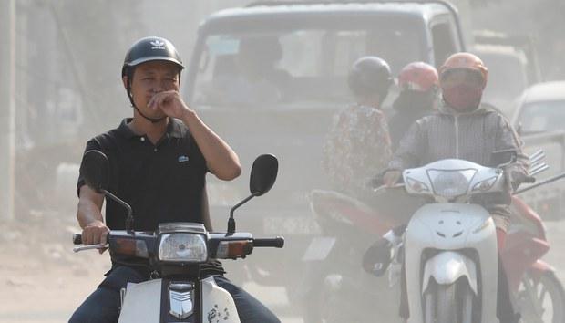 Không khí Hà Nội lại chạm mức có hại cho sức khỏe