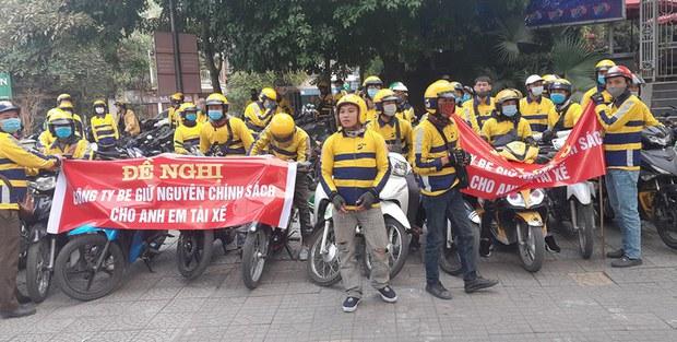 Hàng trăm tài xế beBike diễu hành phản đối hãng