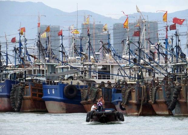 Hàng trăm tàu cá Trung Quốc chuẩn bị kéo xuống Biển Đông