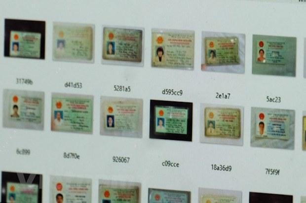 Chứng minh nhân dân của hàng ngàn người Việt Nam bị rao bán trên mạng