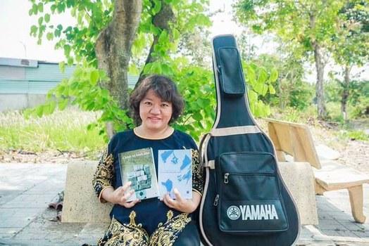 Hình minh hoạ. Nhà báo Phạm Đoan Trang và những cuốn sách do cô viết được Nhà xuất bản Tự Do xuất bản