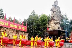 Lễ hội Gò Đống Đa: Hà Nội tưng bừng trong tiếng trống khai hội.