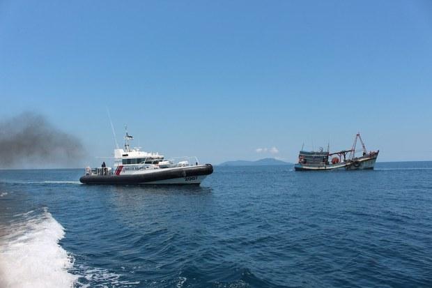 Malaysia bắt giữ 16 ngư dân Việt Nam cùng hai tàu cá