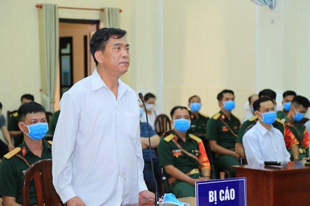 Trần Quốc Dũng tại phiên tòa xét xử.