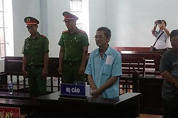 Bị cáo Nguyễn Văn Thừa nghe tòa tuyên án