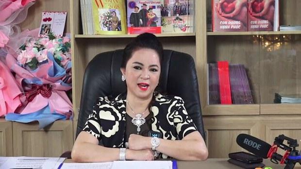 Bà Nguyễn Phương Hằng dừng livestream sau chỉ đạo của Bộ Thông tin & Truyền thông