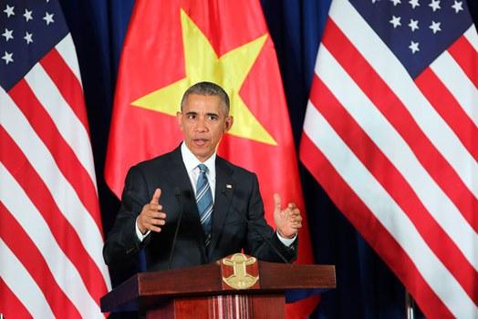 Tổng thống Hoa Kỳ Barack Obama  tại cuộc họp báo chung ở Hà Nội hôm 23/5/2016.