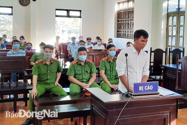 Facebooker ở Đồng Nai bị phạt tù với cáo buộc nói xấu lãnh đạo huyện