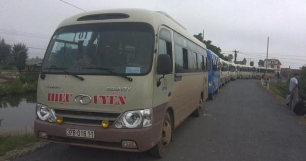 Đoàn xe chở giáo dân