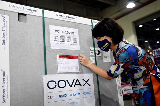 COVID-19: Bộ Y tế thúc giục địa phương tiêm phòng dịch vì vaccine Covax sắp hết hạn