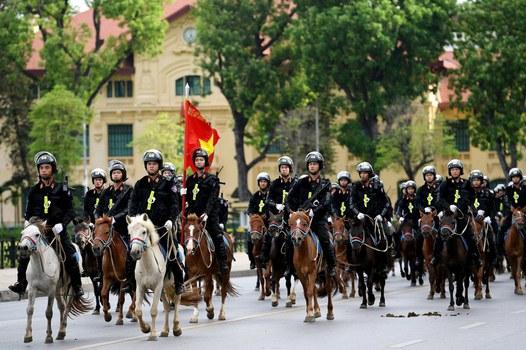 Lực lượng cảnh sát cơ động Kỵ binh tại buổi lễ ra mắt.