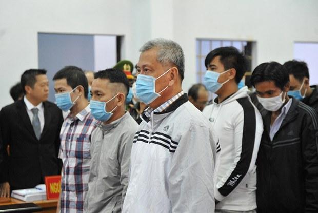 Hoãn phiên xử đường dây xăng giả do Trịnh Sướng cầm đầu