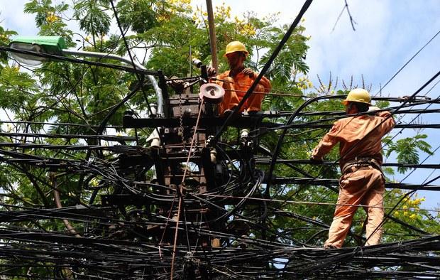 Chính phủ Việt Nam đồng ý giảm giá điện đợt 3
