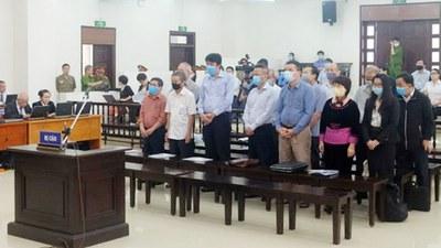 Các bị cáo tại phiên toà xử đại án tại Công ty CP gang thép Thái Nguyên