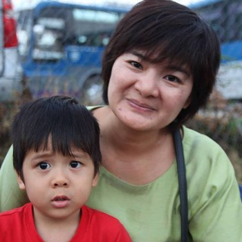 Chị Trần Thị Nga và con trai