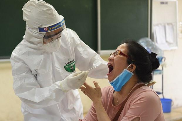 TPHCM họp khẩn vì có thêm 2 ca lây nhiễm COVID-19 trong cộng đồng