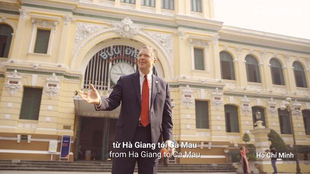 Wowy kết hợp Đại sứ Mỹ hát rap chúc Tết người Việt
