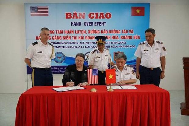 Hoa Kỳ bàn giao Trung tâm Huấn luyện cho Cảnh Sát Biển Việt Nam