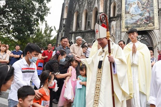 Uỷ hội Tự do Tôn giáo Hoa Kỳ chỉ trích tình trạng vi phạm tự do tôn giáo tiếp diễn ở Việt Nam năm 2020