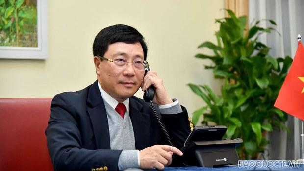 Phó Thủ tướng Việt Nam điện đàm với Cố vấn An ninh Hoa Kỳ về vấn đề điều tra thao túng tiền tệ