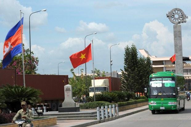Việt Nam điều tra đường dây lừa người Việt sang Campuchia làm việc trái phép