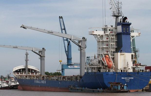 Tổng công ty Hàng hải Việt Nam muốn bán 10 tàu vì vận tải biển tiếp tục thua lỗ