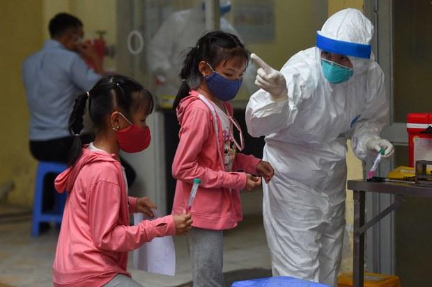 Việt Nam sắp tiêm vắc-xin COVID-19 cho trẻ vị thành niên độ tuổi 12-17