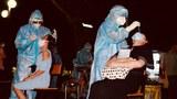Việt Nam vượt mốc 10.000 ca nhiễm COVID-19 trong cộng đồng