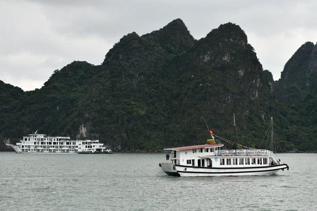 Việt Nam mở cửa hoàn toàn cho khách du lịch quốc tế vào tháng 6/2022