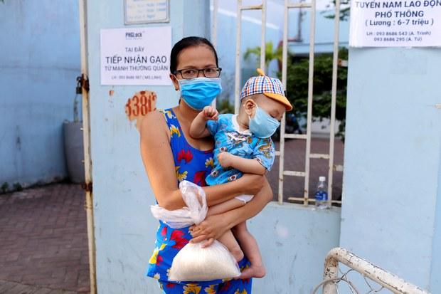 Việt Nam mong muốn thế giới tiếp tục giúp đỡ chống dịch