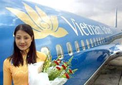 Tiếp viên của hãng hàng không Vietnam Airlines. AFP PHOTO