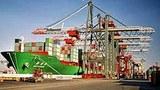 Các containers được chuyển lên tàu để xuất khẩu (minh họa)