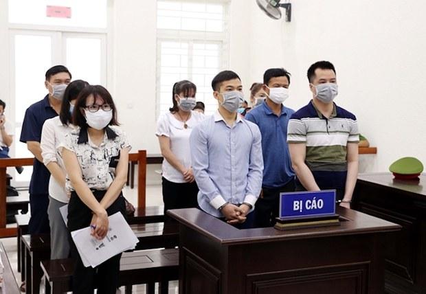 Vụ đi nhờ chuyên cơ bà Ngân: 8 người tổ chức bị tuyên án nhẹ