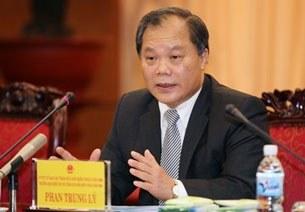 Ông Phan Trung Lý, Chủ nhiệm ủy ban Pháp luật đang trình bày trước quốc hội