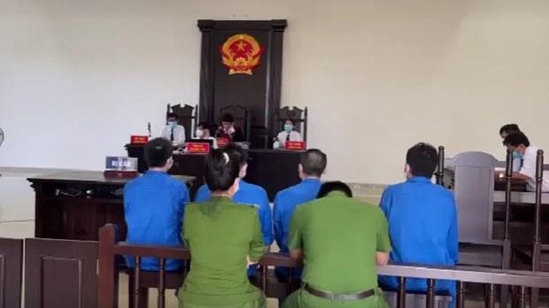 Việt Nam xét xử nhóm người Trung Quốc dụ trẻ em đóng phim sex, livestream quan hệ tình dục