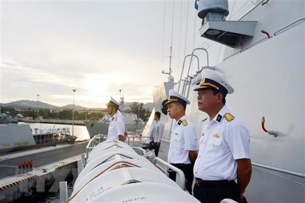 Tàu hộ vệ Quang Trung của Việt Nam tiến hành diễn tập tại quần đảo Trường Sa
