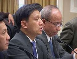 TS Nguyễn Đình Thắng trong buổi điều trần tại Hạ viện Mỹ về nhân quyền Việt Nam ngày 24/01/2012. RFA photo.