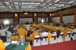 Các Đại biểu tam dự hội thảo khoa học Phật giáo thời các vua nhà Lý diễn ra tại khu du lịch Thiên Đường, Bảo Sơn tại Hà Nội, hôm 29/07/2010. Photo courtesy of thientam.vn