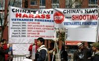 Sinh viên Việt Nam biểu tình phản đối Trung Quốc.