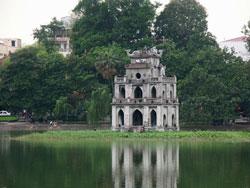 Tháp rùa - Hồ Hoàn Kiếm. Photo courtesy of vietbalo.
